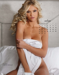 playboy-playmates-around-the-world-2017-calendar_seite_02